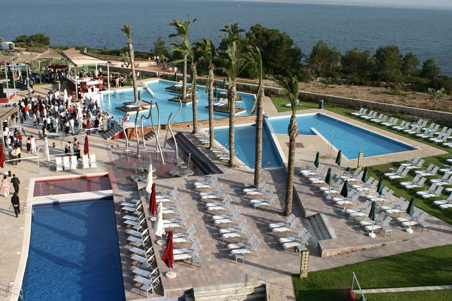 Piscinas hoteles y resorts